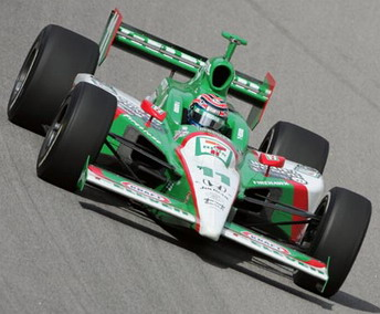 Tony Kanaan driving #11 for Andretti Green Racing