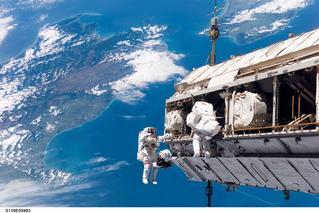 NASA Shuttle Mission STS-116, S116-E-05983 (12 Dec. 2006)