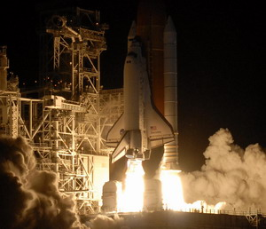 Shuttle Discovery STS-116 Night Launch, 2006-12-09